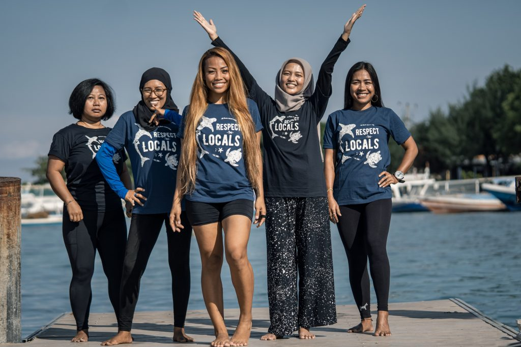 The First Complete Female Coral Restoration Team In The World
